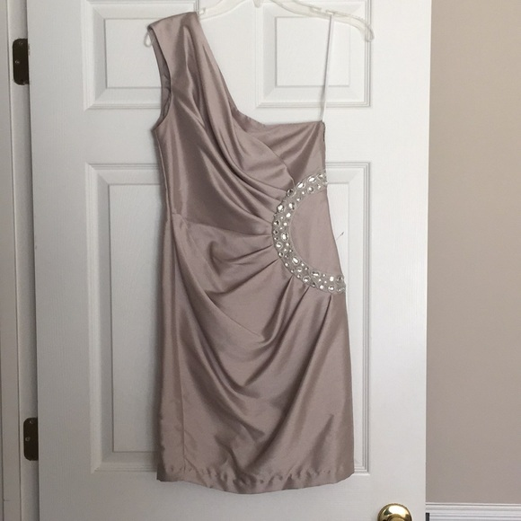London Times Dresses & Skirts - Silver one shoulder cocktail dress